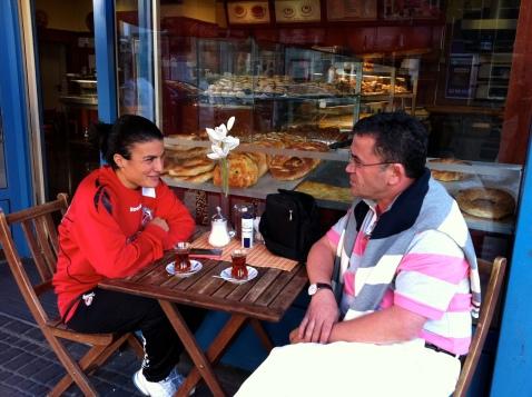 Türk futbolunu yurtdışında temsil eden, Bundesliga takımlarından 1. FC Köln Kadın futbol takımında oynayan Bilgin Defetrli İçini döktü.